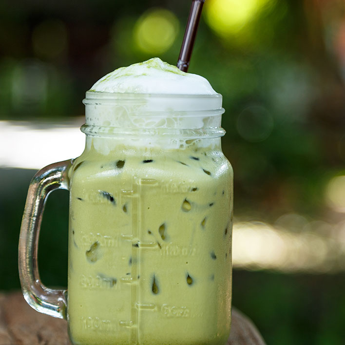 Trend Alert: This Iced Matcha Latte Recipe is Simple and Perfect!