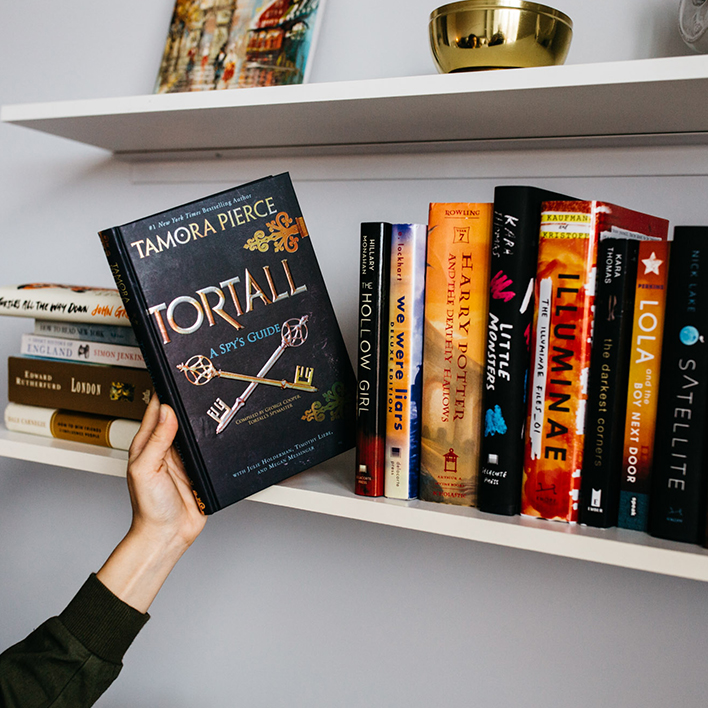 7 Reasons Why You Should Be a Tamora Pierce Fan Now and Forever (If You're Not Already)