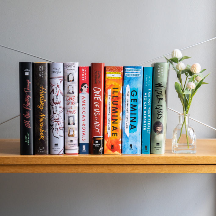 11 DIY Book Storage Ideas to Spruce Up Your Bookshelf
